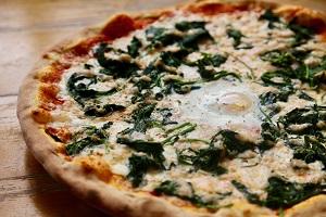 Pizza Fiorentina  32